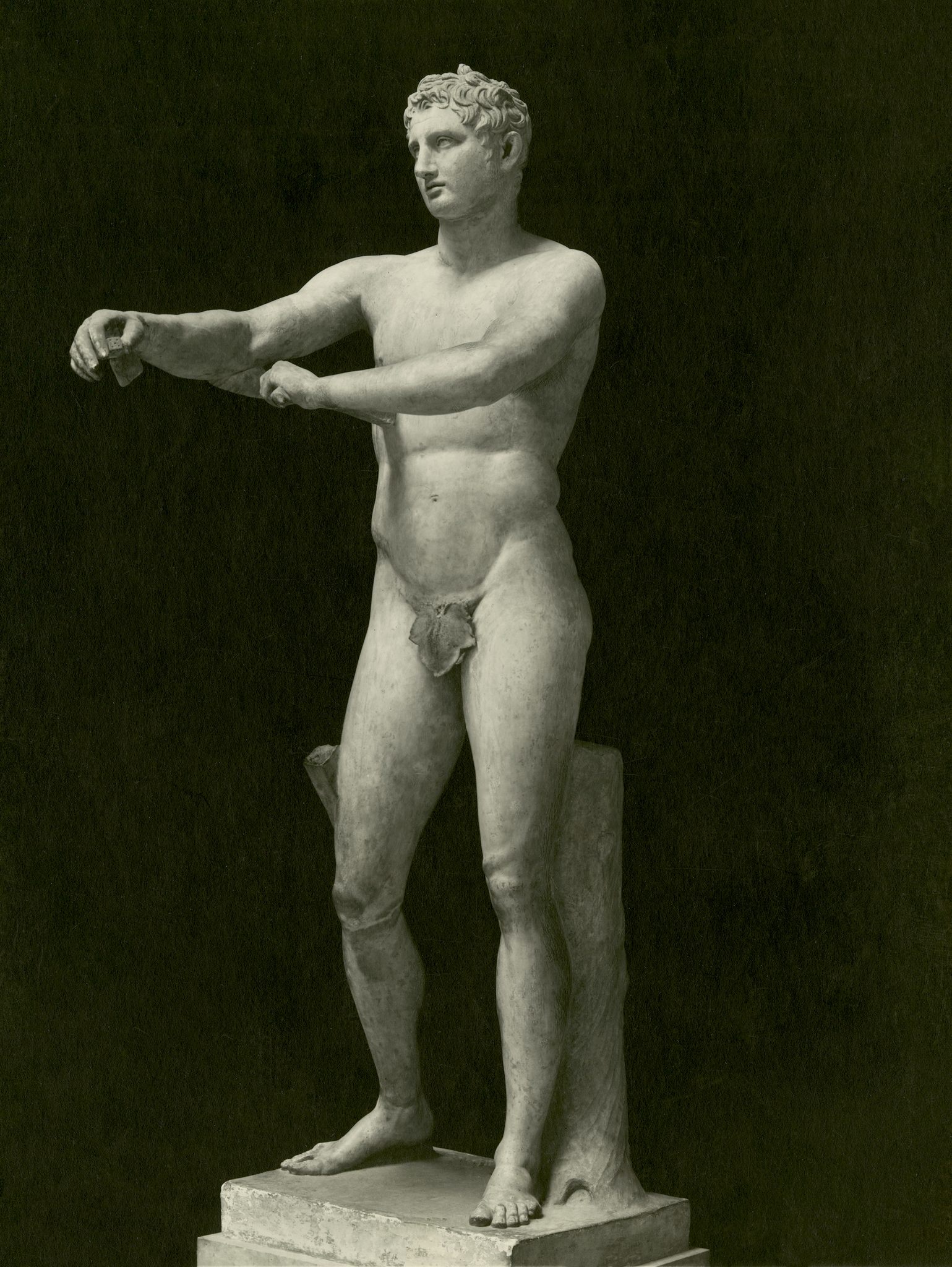 <p><i>The Apoxymenos.</i></p><p>Roman copy after bronze original of c.340-310 BCE,</p><p>attributed to Lysippos. Marble.</p><p>Chiaramonti Museum, Braccio Nuovo, Vatican City.</p>