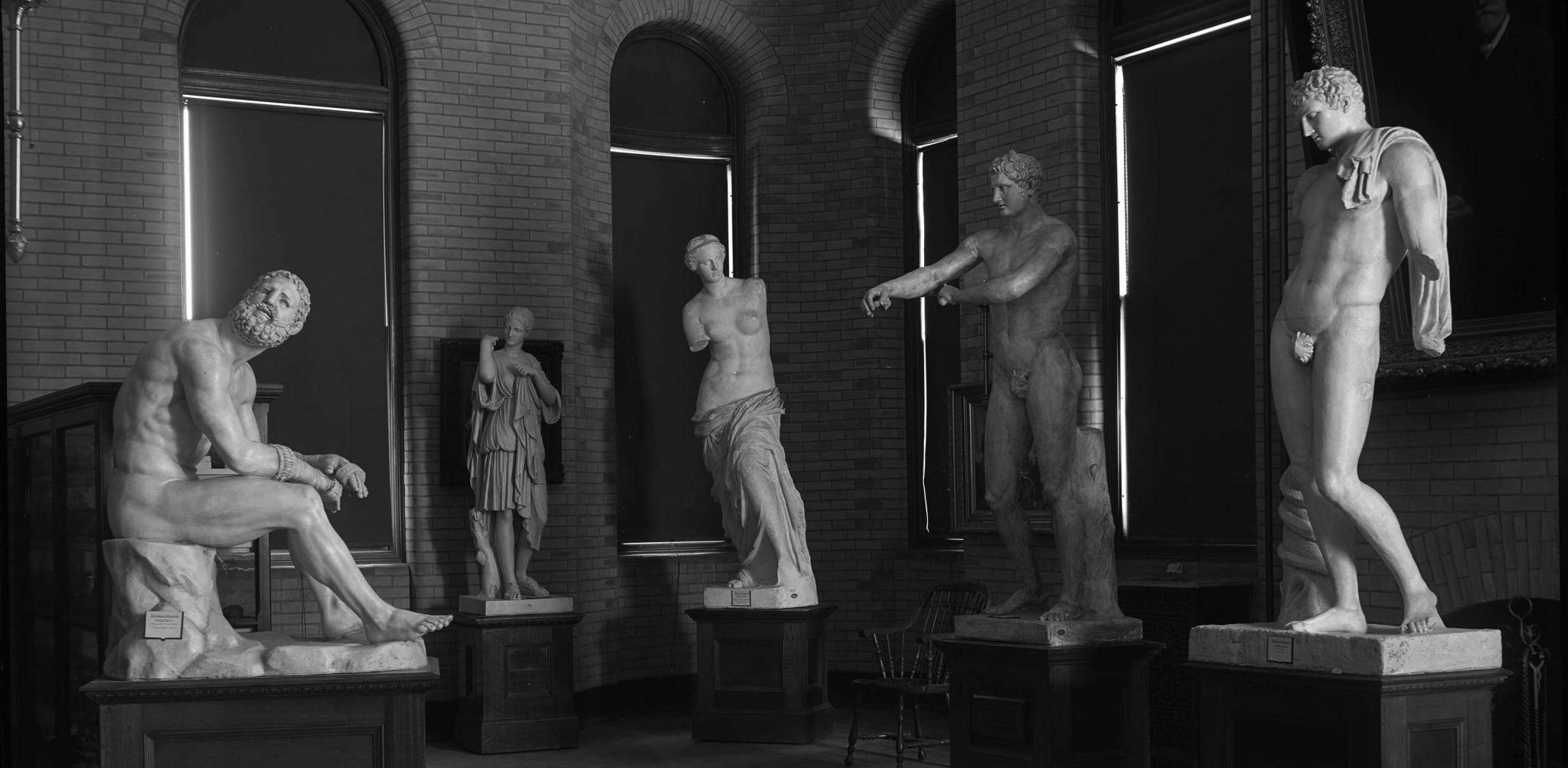 <p>Plaster cast statues in library, 1904. Photo by Edward H. Stone.</p><p>Edward H. Stone Collection. Special Collections and University Archives, Colgate University Libraries.</p>