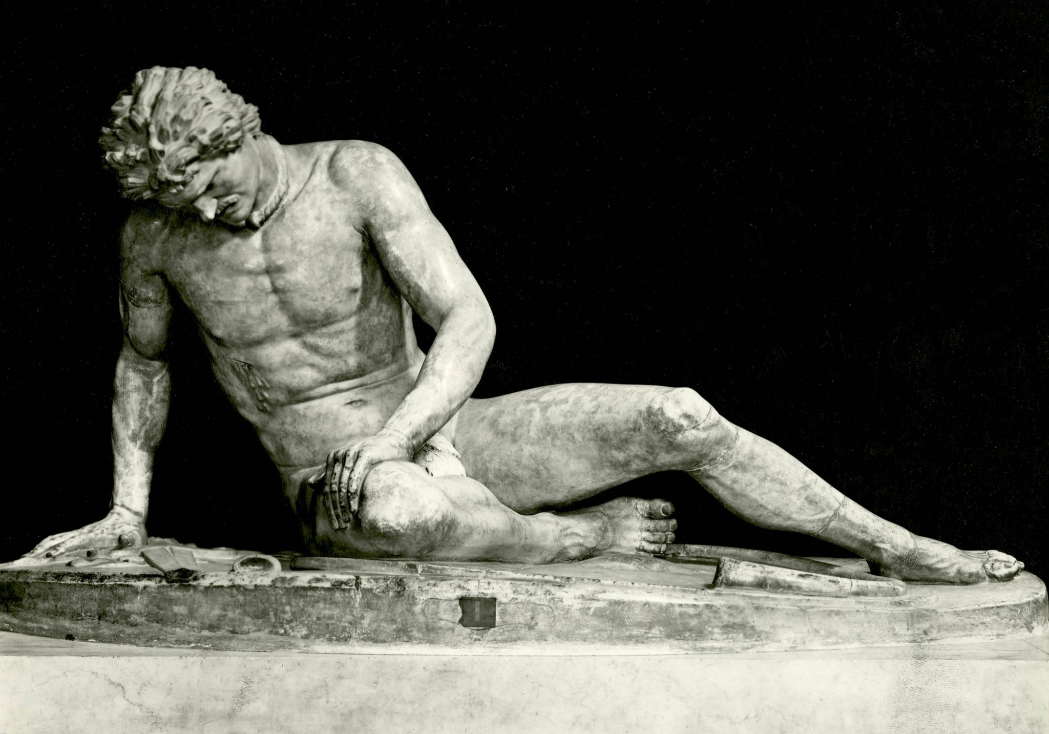 <p><i>The Dying Gaul.</i></p><p>Roman copy after original of 3rd c. BCE.</p><p>Marble. Musei Capitolini, Rome.</p>